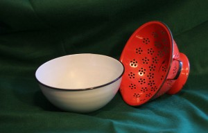 porc bowl and strainer
