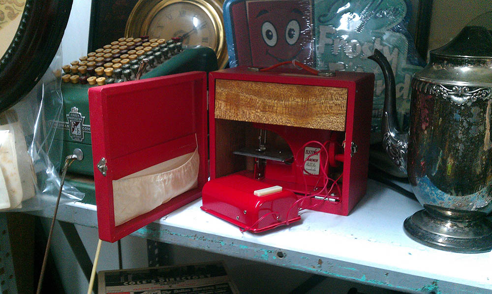 toy-sewing-machine